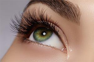 Eyelash / Eyebrow Pulling